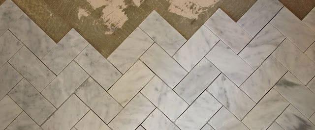 Carrara – posadzka z marmuru